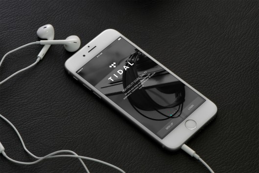 Picture of a mobile phone and an ear piece