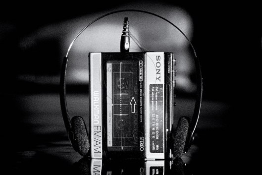 Picture of a Walkman and a headset
